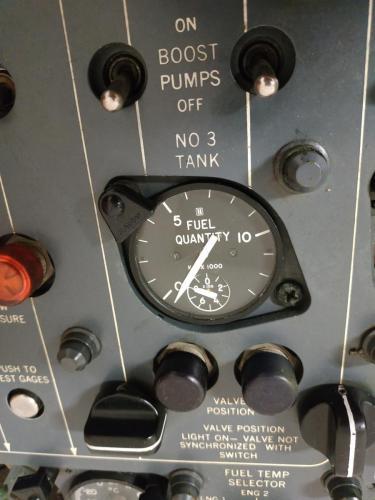 Fuel quantity indicator