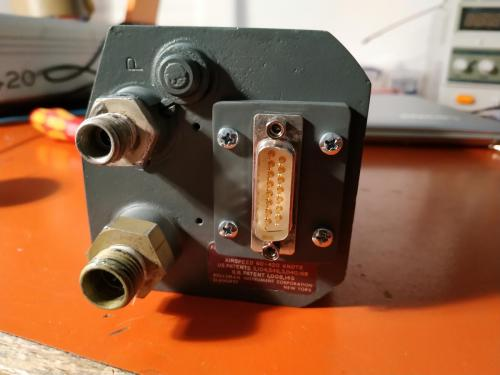 The completes gauge from behind with the new DSSUB 15 plug.